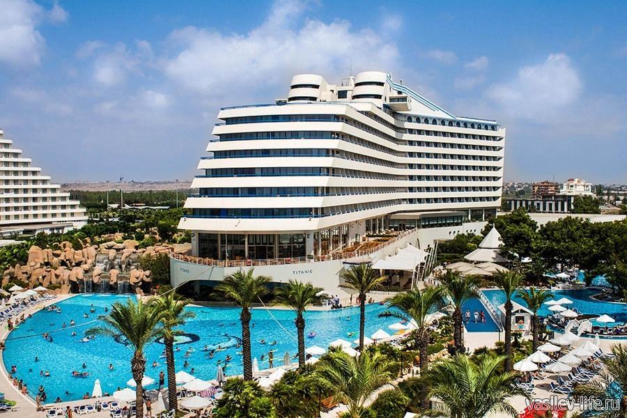 Отель «Titanic Beach Lara»