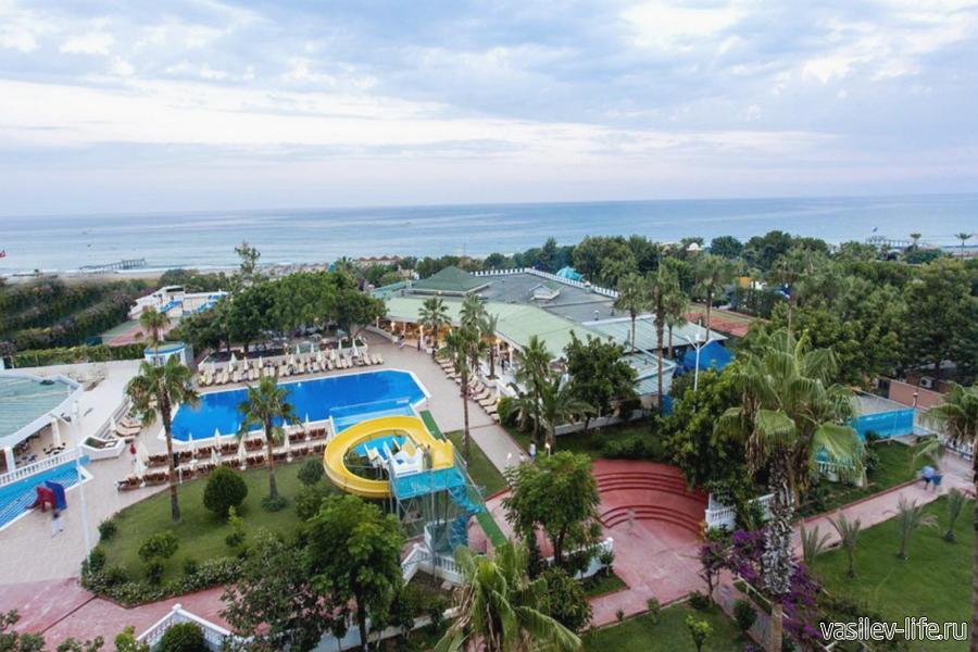 Отель The Garden Beach Hotel