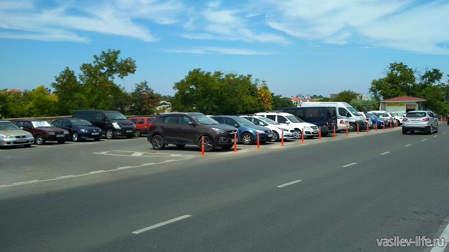 Парковка возле Исторического бульвара и панорамы Оборона Севастополя