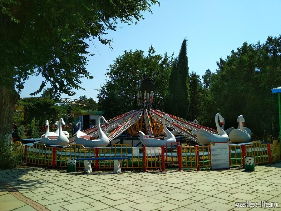 Парк аттракционов в дендрарии Евпатории (4)