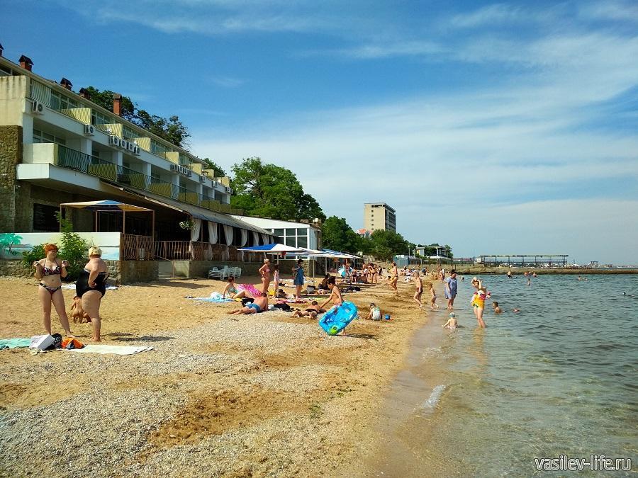 Первый городской (Детский) пляж в Феодосии