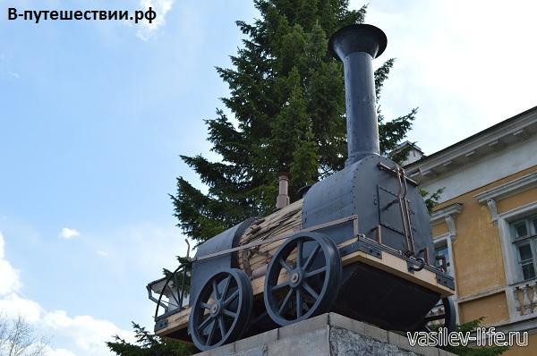 Первый-паровоз-в-России2