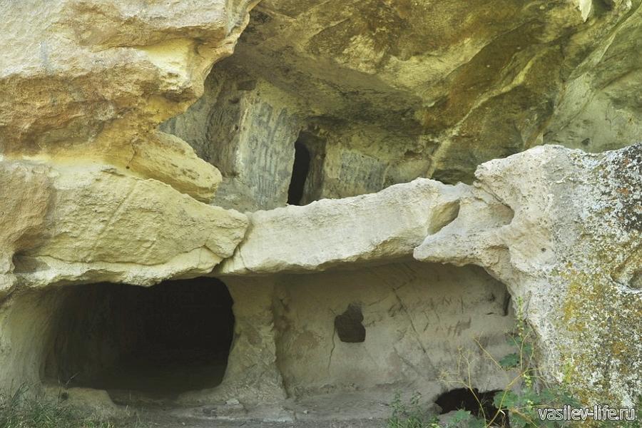 Пещерный город-крепость Тепе-Кермен в Бахчисарае