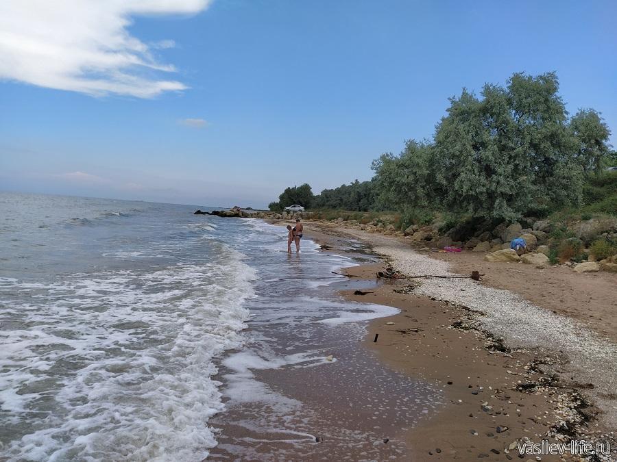 Малолюдные и бескрайние пляжи Ильича