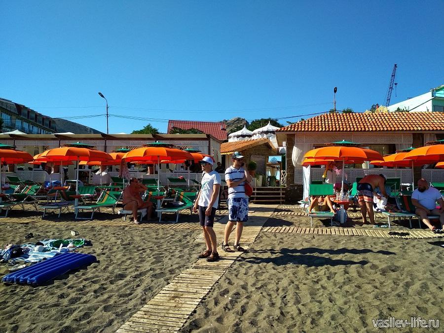 Пляж «Арзы» в Судаке (8)