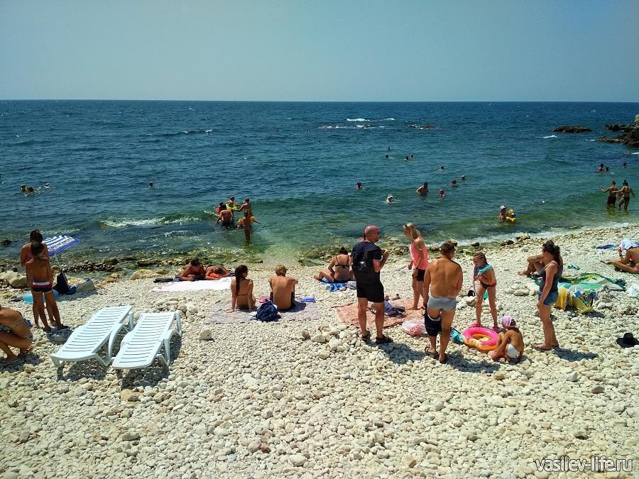 Пляж «Голубая бухта» в Севастополе (18)