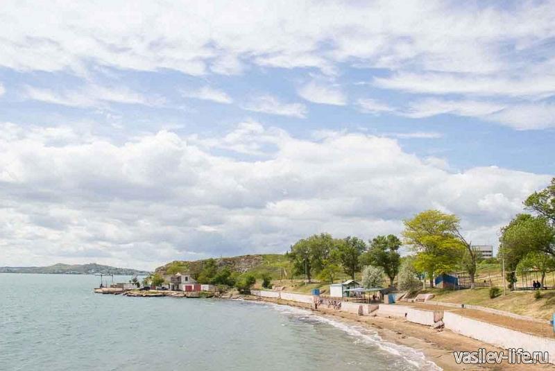 Пляж «Молодежный» в Керчи3