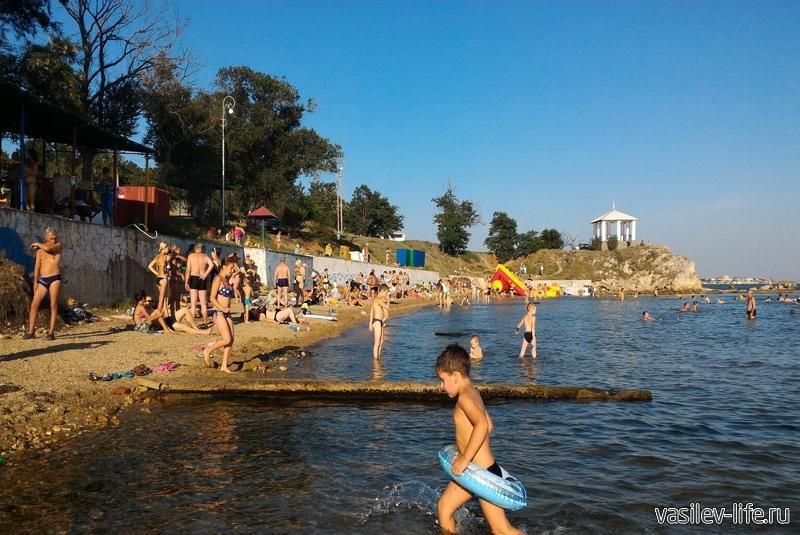 Пляж «Молодежный» в Керчи6