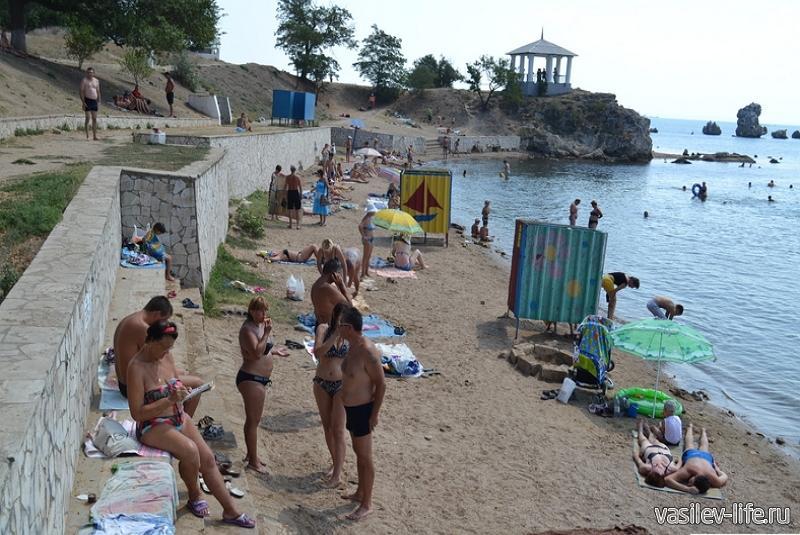 Пляж «Молодежный» в Керчи7
