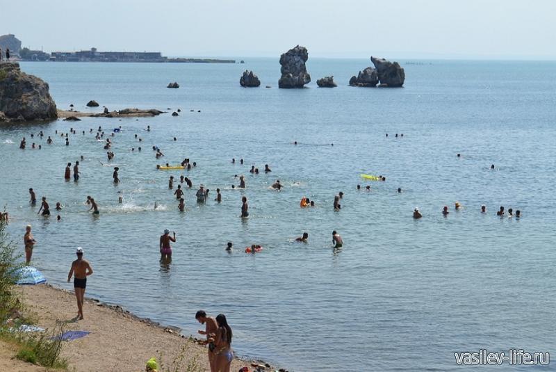 Пляж «Молодежный» в Керчи9