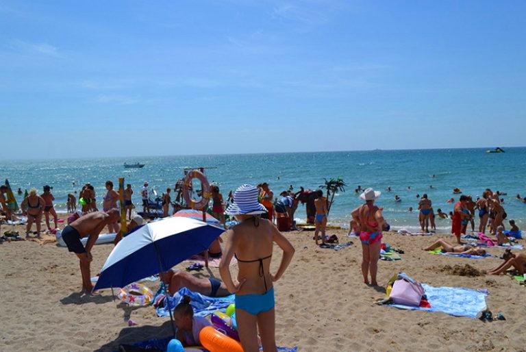 тому времени пляж солярис в евпатории фото время