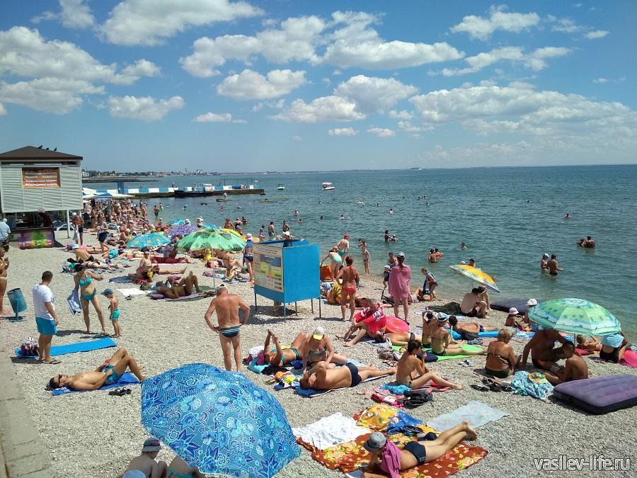 Пляж Камешки (единственный в Феодосии с галькой)