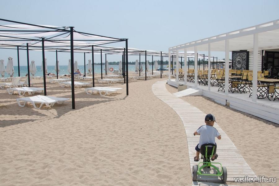 Пляж Супер-Аква в Заозерном