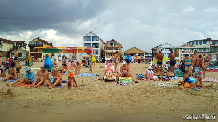 Пляж базы отдыха Прибой