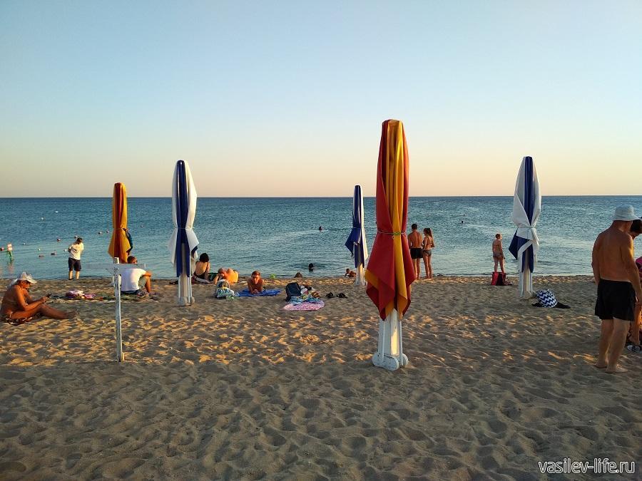 Один из пляжей в Евпатории