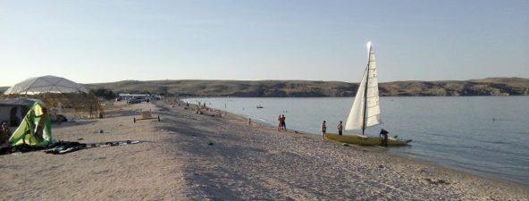 Пляж на Азовском море (район Щелкино)