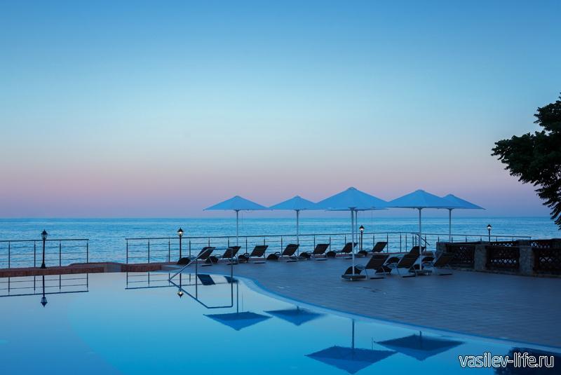 Пляж отеля «Ривьера»