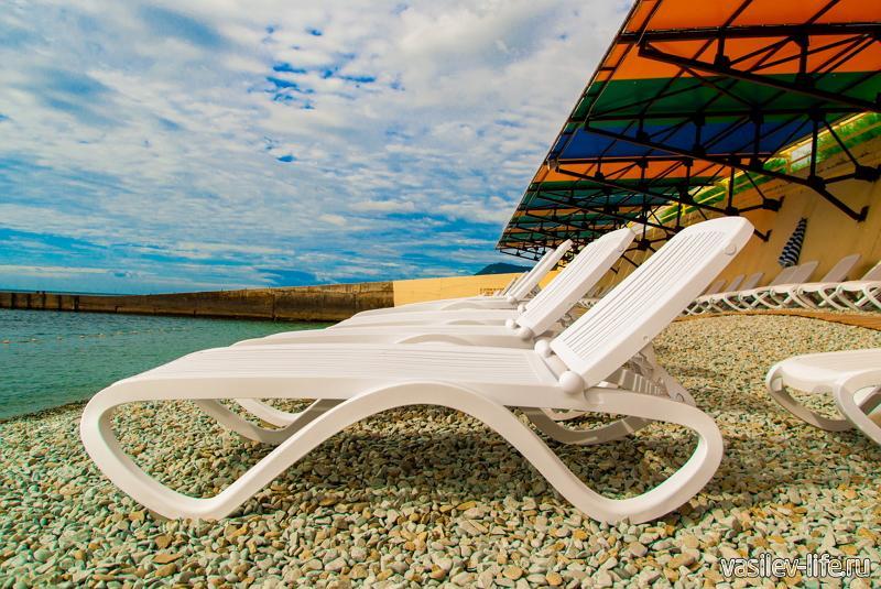 Пляж отеля «GOLDEN RESORT»