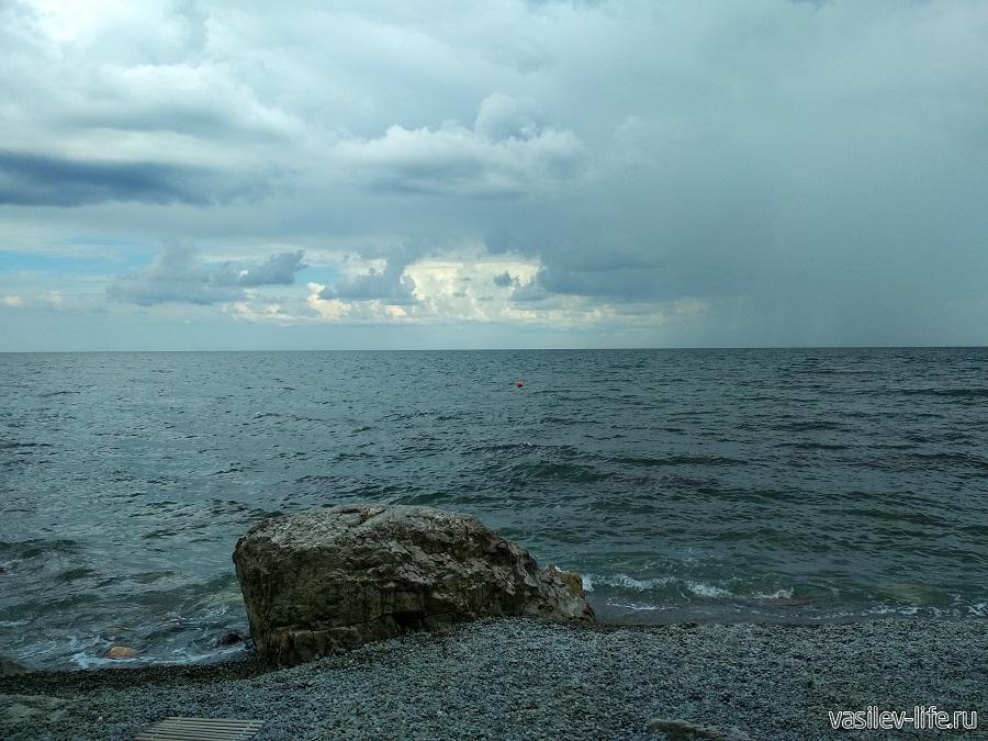 Пляж санатория «Ай-Даниль» в окрестностях Ялты (10)