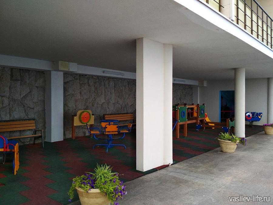 Пляж санатория «Ай-Даниль» в окрестностях Ялты (14)