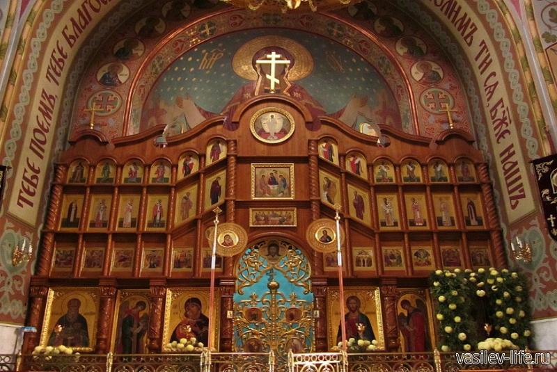 Покровский собор в Севастополе (внутри)