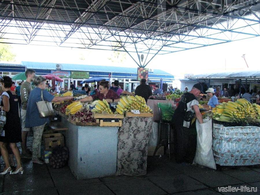Полтавский рынок в Феодосии