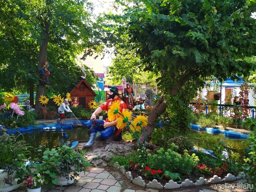 Поляна сказок в парке им. Фрунзе в Евпатории