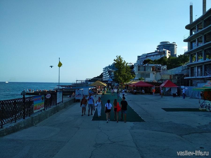 Приморский пляж, Ялта (3)