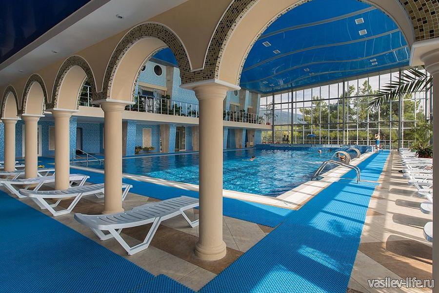 Санаторий Ай-Даниль, крытый бассейн