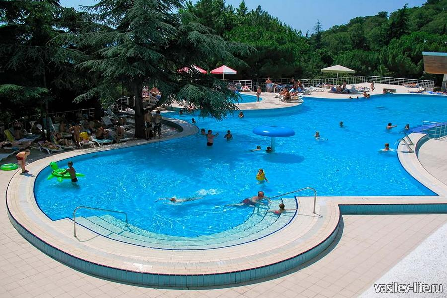 Санаторий Ай-Даниль открытый бассейн