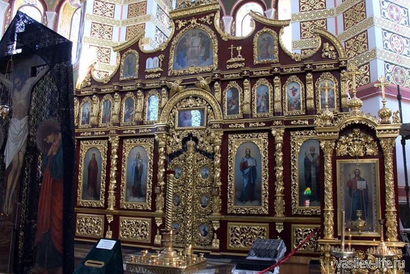 Собор Николая Чудотворца (внутри)