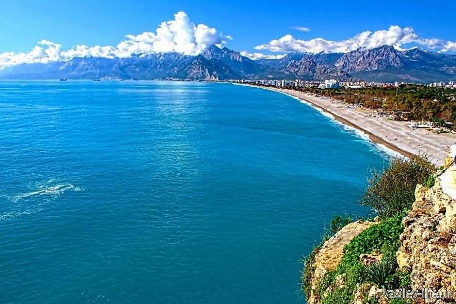 Средиземное море в Турции летом