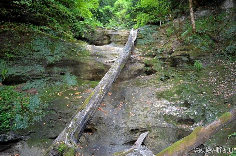 Сухая балка и водопад «Яворов»1