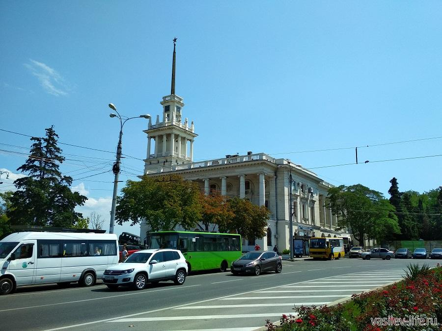 Театр Лавренёва