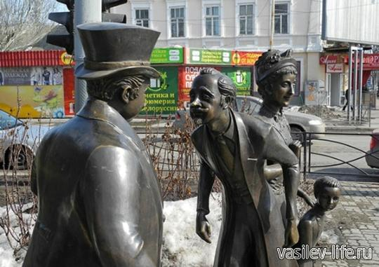 Толстый-и-тонкий-достопримечательность-в-Таганроге