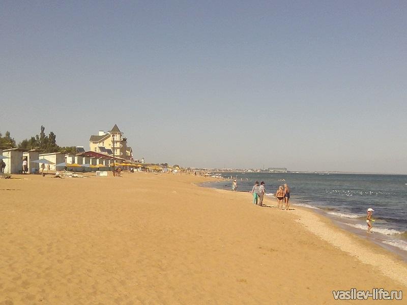 Ухоженная территория пляжа