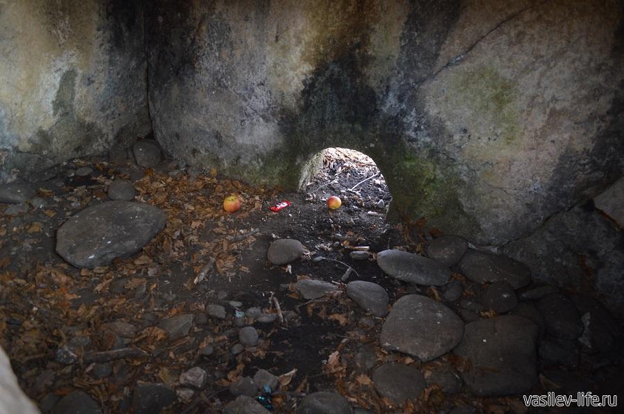 Хаджохский дольмен в Каменномостском (Адыгея) (9)