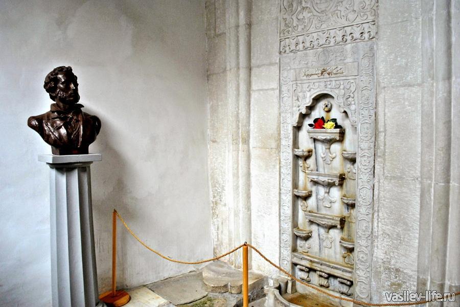 Ханский дворец в Бахчисарае, фонтан слез