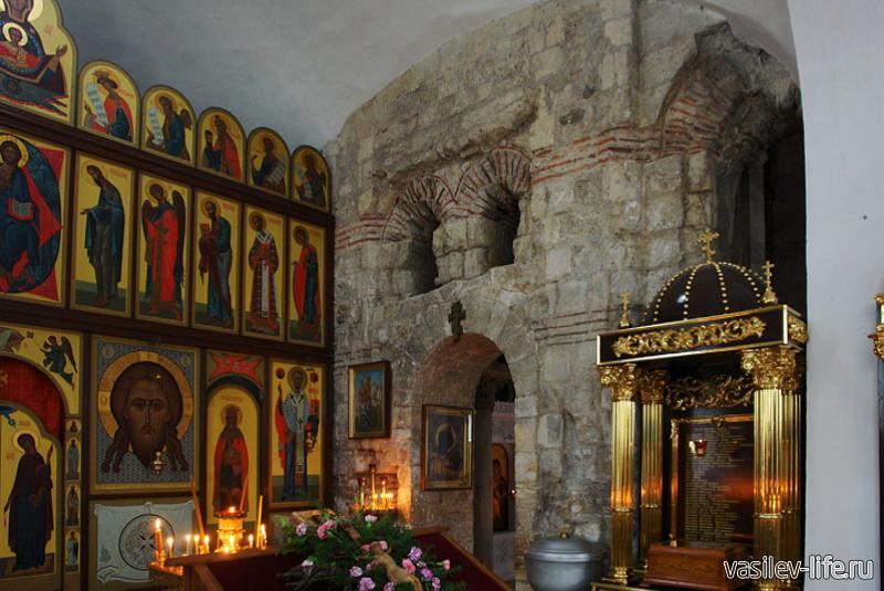 Храм Иоанна Предтечи внутри2