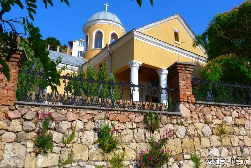 Храм 12 апостолов (Балаклава)