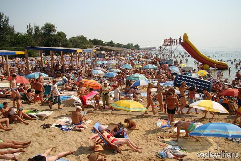 Центральный пляж в Евпатории