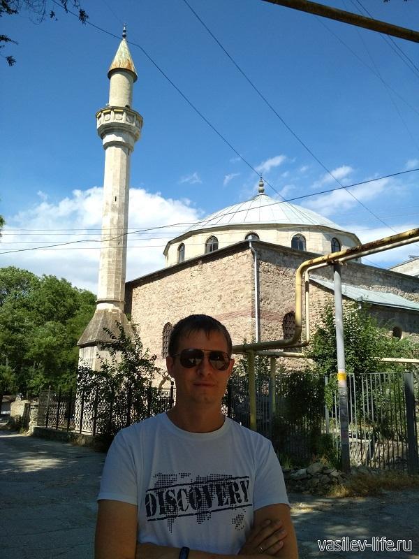 Я на фоне Мечети Муфти-Джами
