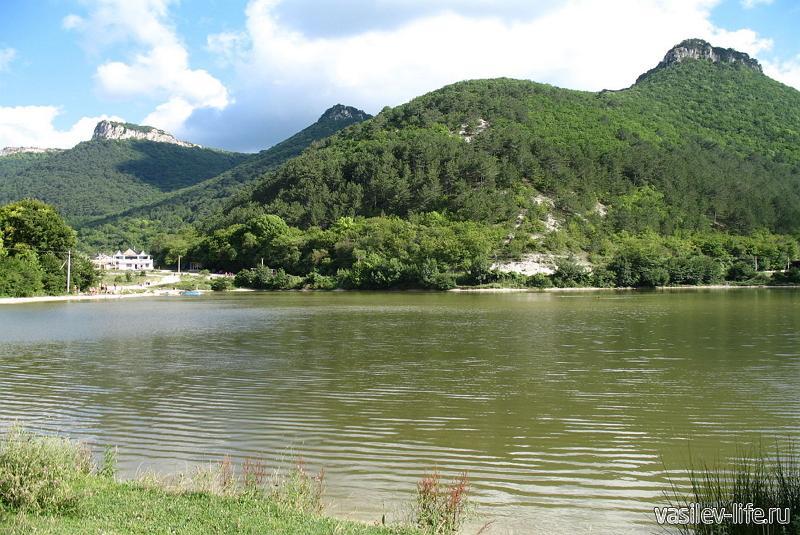 Озеро Мангуп