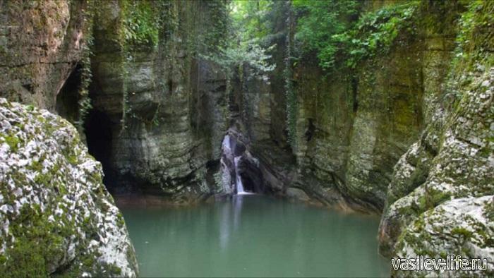 Агурские-водопады-5