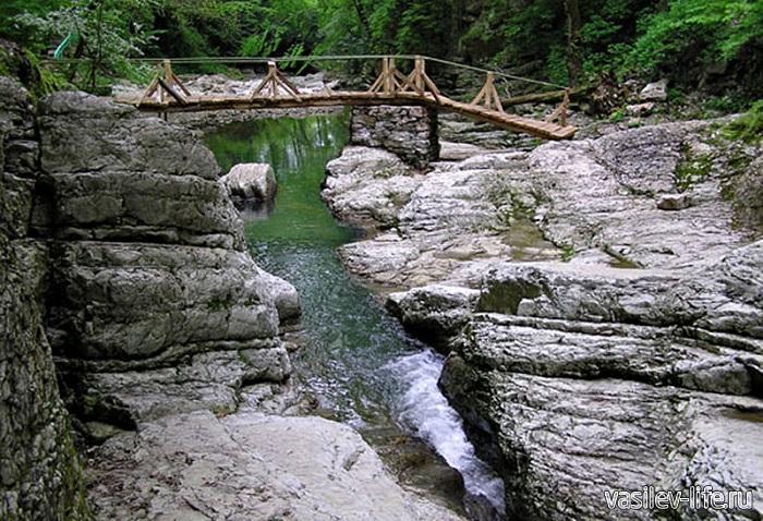 Агурские-водопады-7