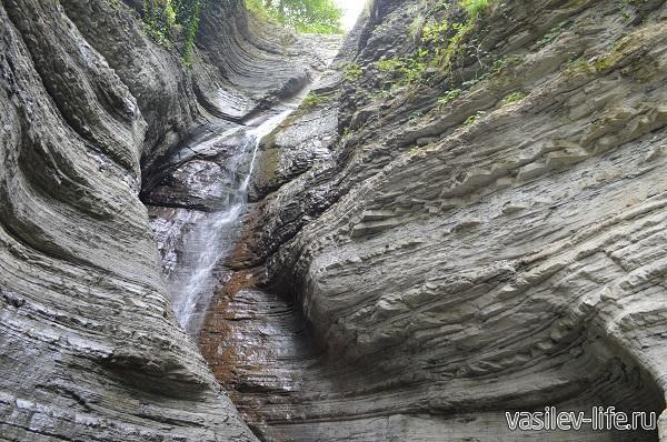 Водопад-Псыдах-фата-невесты