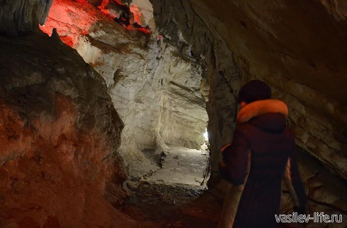 Воронцовские-пещеры-Внутри-пещеры-3-700x460
