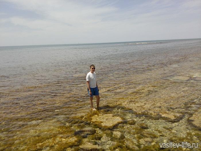 Море в Актау в прибрежной зоне не глубокое