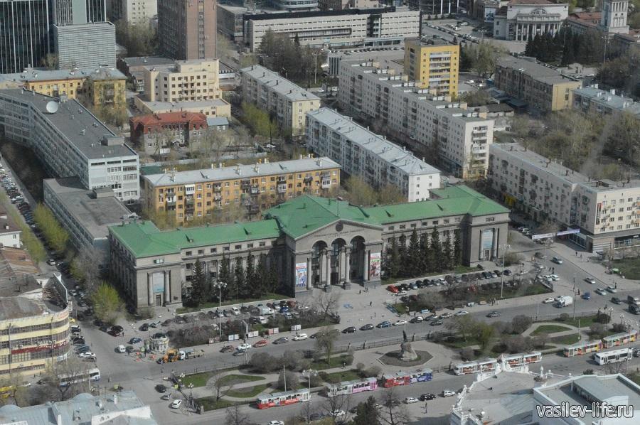 """Вид с смотровой площадки БЦ """"Высоцкий"""""""