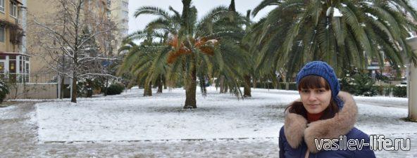 Очень редко выпадает снег